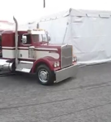 Video: Killer Custom Mini Kenworth